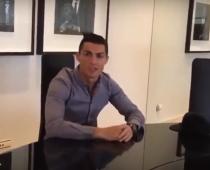 Cristiano Ronaldo predviedol svoju luxusnú vilu – bazény, ihrisko a vlastný šéfkuchár!