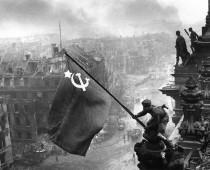Seriál: Príbehy ikonických fotografií z histórie #1 – Pád Reichstagu