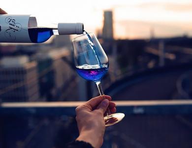 NOVINKA: Trendom sa stáva modré víno…