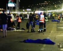 VIDEO: Terorista v Nice vletel kamiónom do davu a zabil 84 ľudí