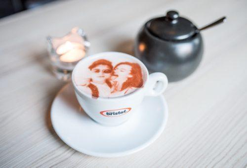 Kvalitná káva, tripple espresso,selfie cappuccino a BochPeprič, to všetko vás čaká a neminie v M&M COFFEE BAR