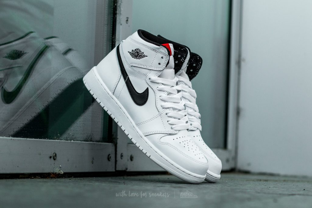 air-jordan-1-retro-high-og-white-black-white
