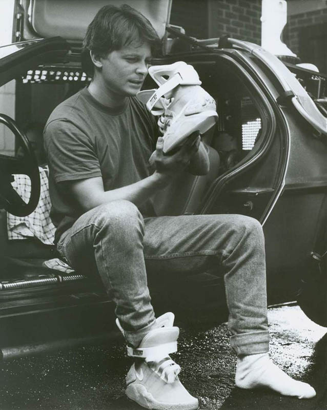 back-to-the-future-shoes-nike-mag-2011-official-release-04